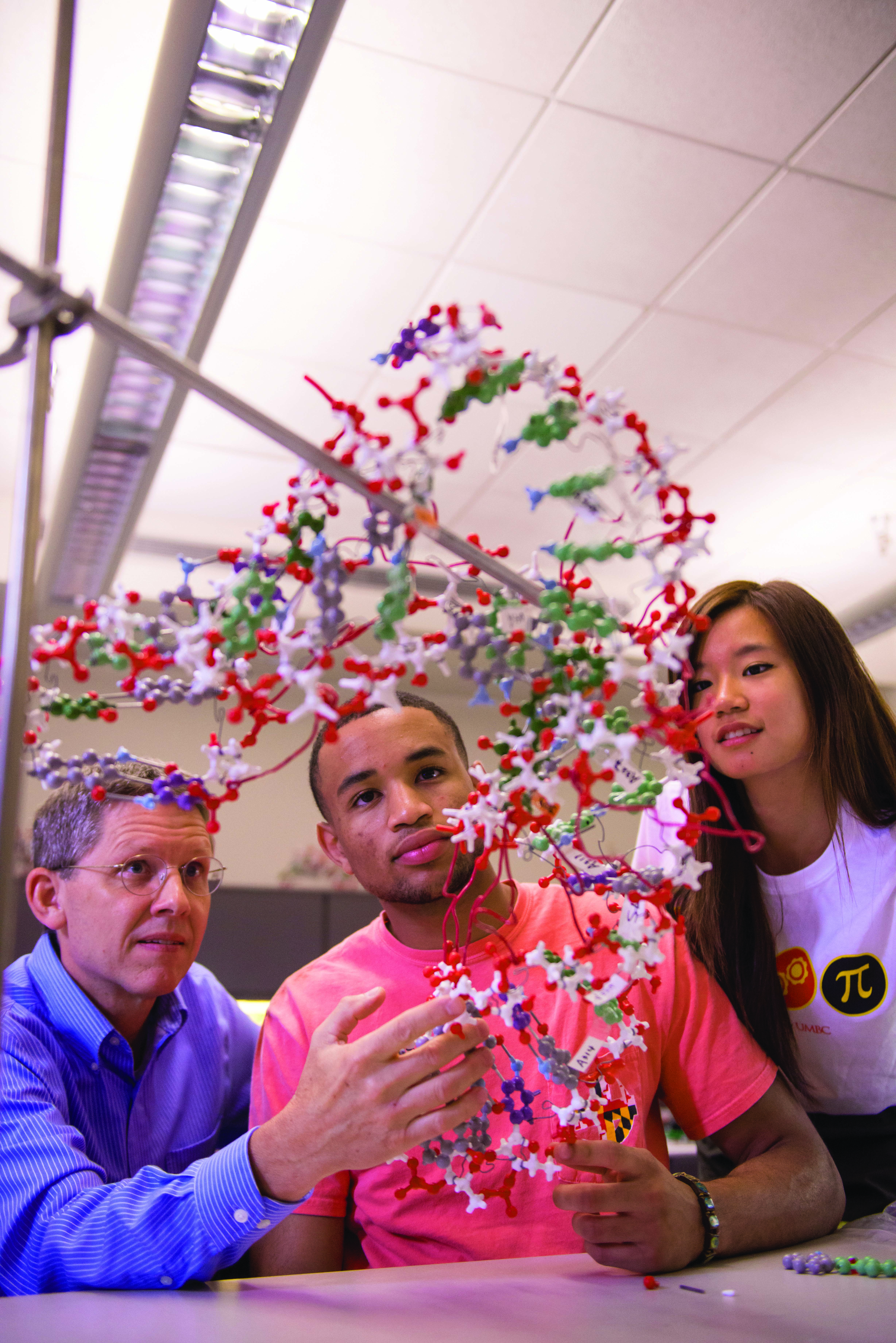 Meyerhoff Scholars frequently work in the lab with professor Mike Summers.
